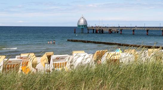 Ostsee-Kurzurlaub in Zingst - Seebrücke und Tauchgondel